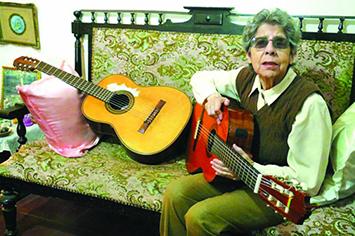 La poesia y la guitarra de Matilde Cazasola