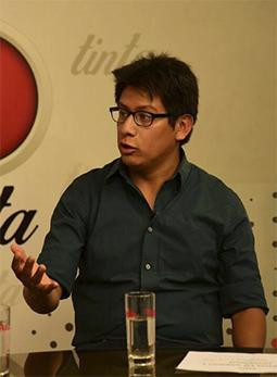 El escritor boliviano Rodrigo Urquiola gana el premio de Relatos Cortos José Nogales de España